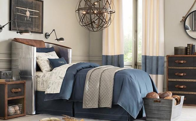 Синя боя за стена в спалнята