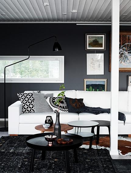 Черната боя за стена