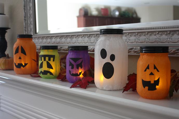 Цветният латекс и свещниците