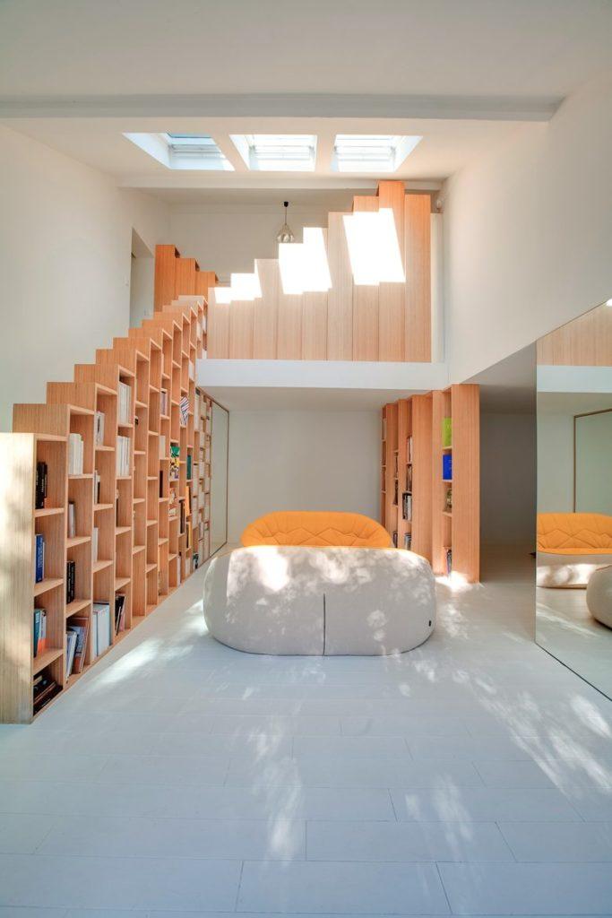 Стълби и интериорни бои в дома