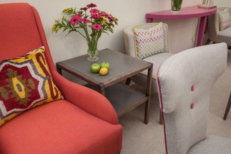 Цветен латекс и цветни мебели