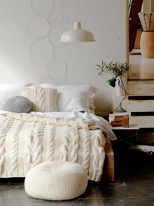 Бяла боя за стена