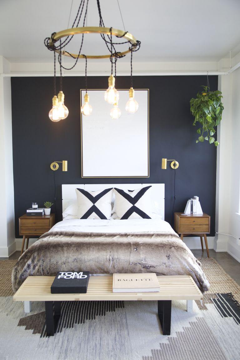 Тъмната боя за стена в спалнята