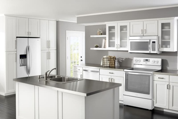 Бяла боя за стена в кухнята