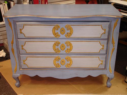 Боядисване на мебели