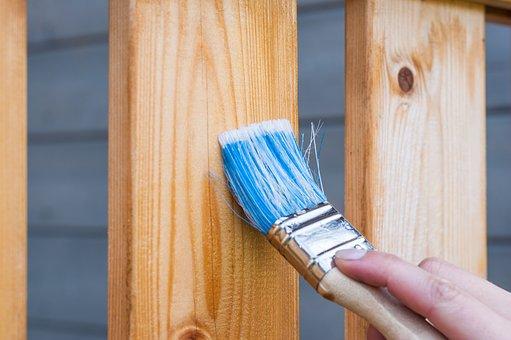 Използвайте качествени инструменти за нанасяне на боя за дърво на водна основа